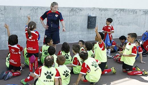 Abierta la inscripción para el Campus de Fútbol 'Verano 2021' en la Fundación Rayo Vallecano