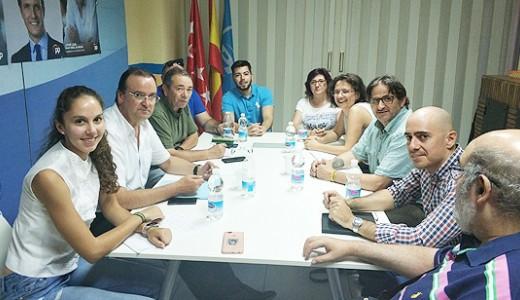 El Partido Popular y la Asociación Vecinal PAU del Ensanche se reúnen para tratar los problemas de Villa de Vallecas