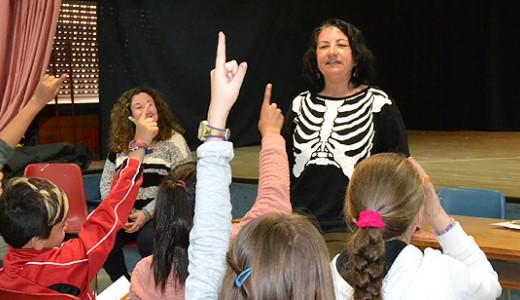 La escritora Llanos Campos y 'Barracuda' visitaron el Colegio Carlos Sáinz de los Terreros