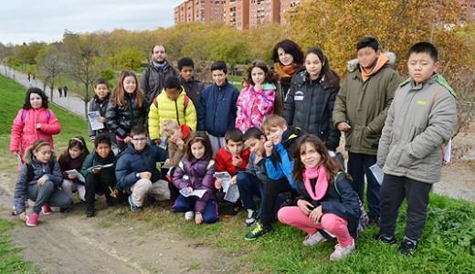 Alumnos del Colegio Carlos Sáinz de los Terreros realizan un recorrido ecológico por Vallecas