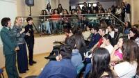 Cristina Cifuentes habló de violencia de género en el Colegio Gredos San Diego Vallecas