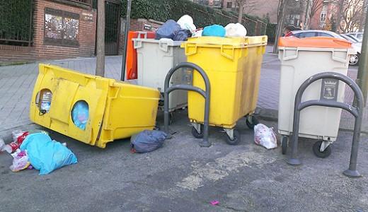 Retenedores de cubos de basura que no
