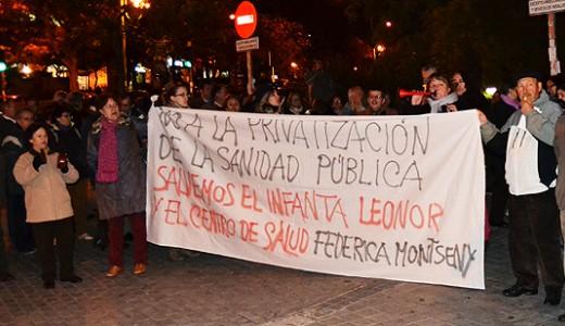 Cacerolada contra la privatización del Centro de Salud Federica Montseny